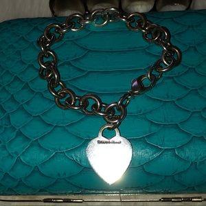 💙Tiffany &Co.Chain Link Bracelet w/ Heart Charm💙